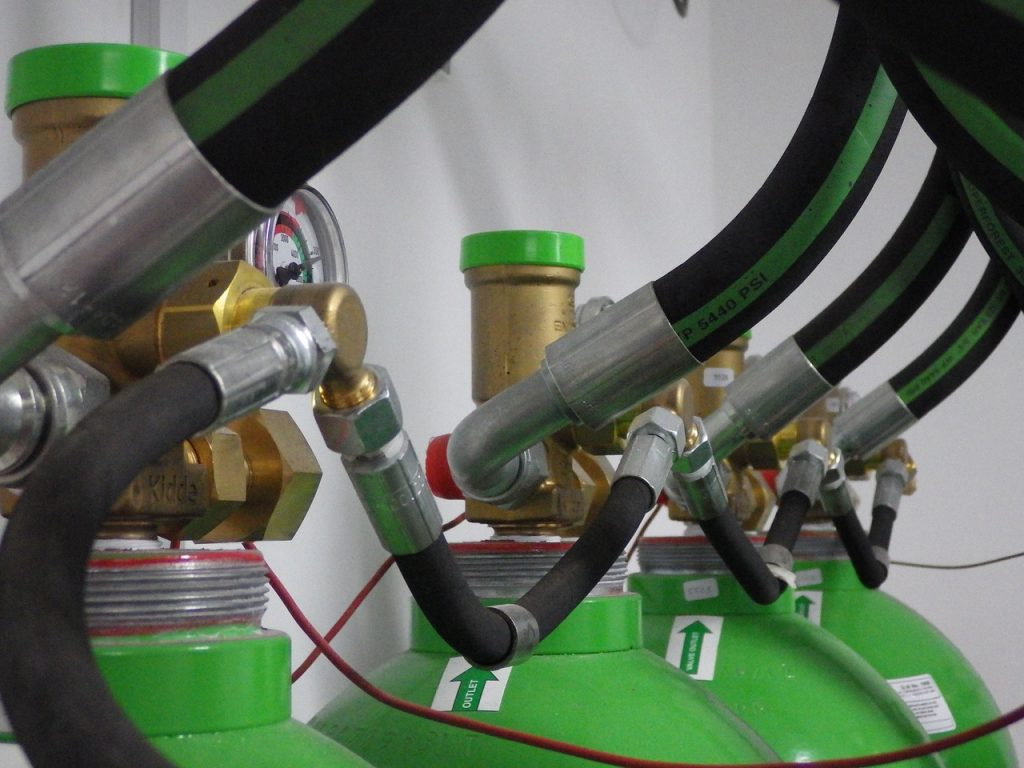Manufacturing with chemical hose